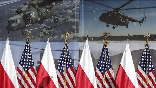 Bandiere Polonia Usa - Sputnik Italia