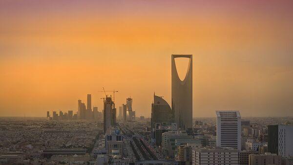 Riyadh Skyline showing the King Abdullah Financial District (KAFD) and the famous Kingdom Tower - Sputnik Italia
