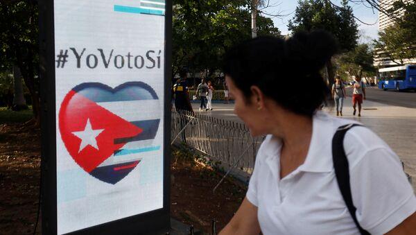 Un cartel del referéndum constitucional en Cuba - Sputnik Italia