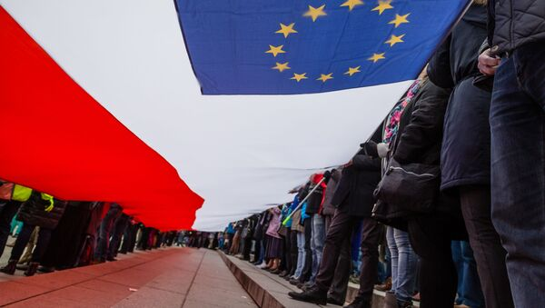 Bandiere Polonia Ue - Sputnik Italia