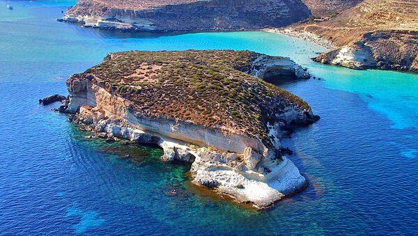 L' isolotto dei Conigli a Lampedusa - Sputnik Italia