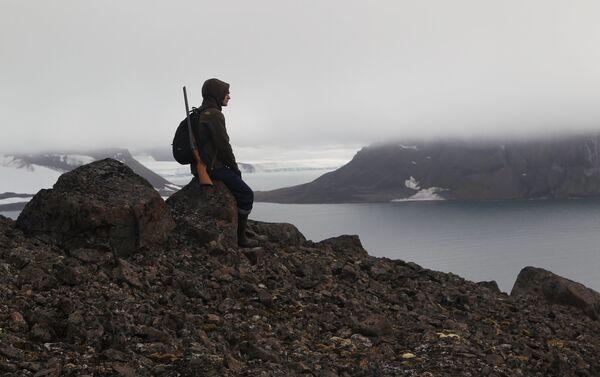 Un ispettore del parco nazionale 'Russkaya Arktika' - Sputnik Italia