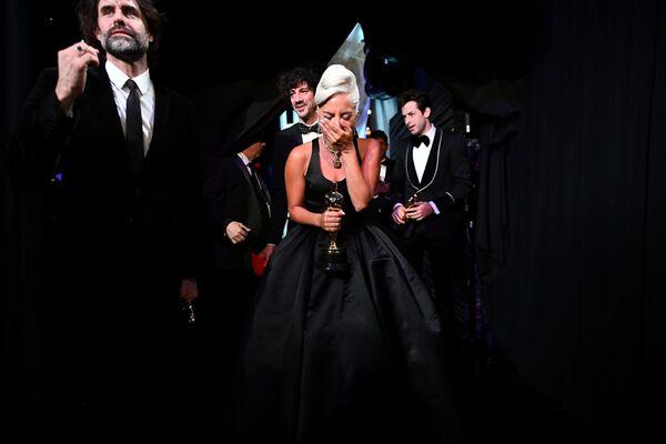 Lady Gaga riceve il suo premio per Shallow, miglior canzone agli Oscar 2019. - Sputnik Italia