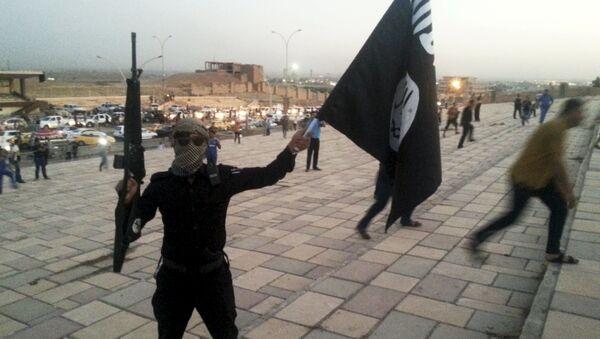 Miliziano del Daesh - Sputnik Italia