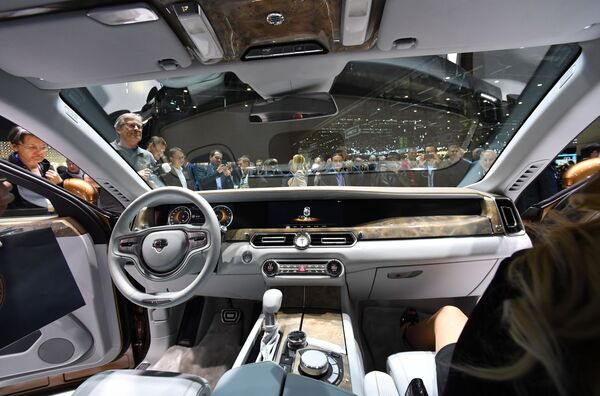 Automobile Aurus all'interno. - Sputnik Italia