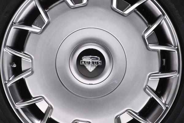 Cerchione dell'automobile Aurus Senat al Salone di Ginevra. - Sputnik Italia
