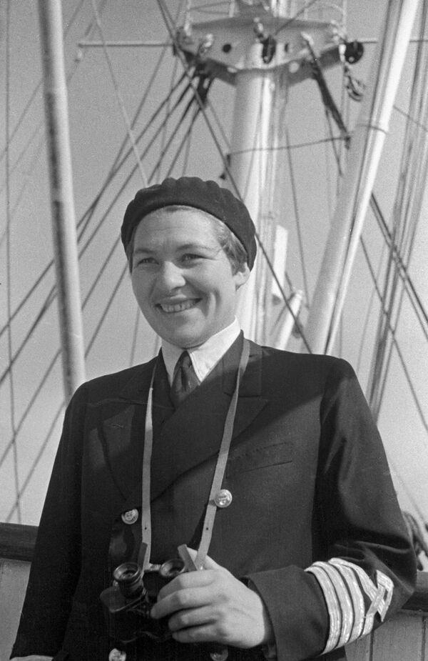 La prima donna capitano di lungo corso Anna Scetinina. - Sputnik Italia