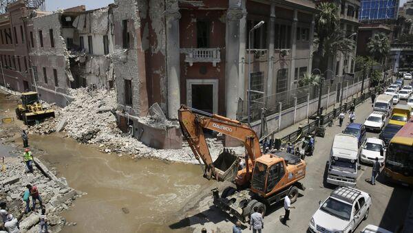 Взрыв у итальянского консульства в Каире - Sputnik Italia