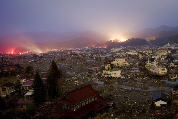 Effetti del terremoto e tsunami sulla città di Kessennuma nella prefettura di Miyagi, 9 giorni dopo la tragedia - Sputnik Italia