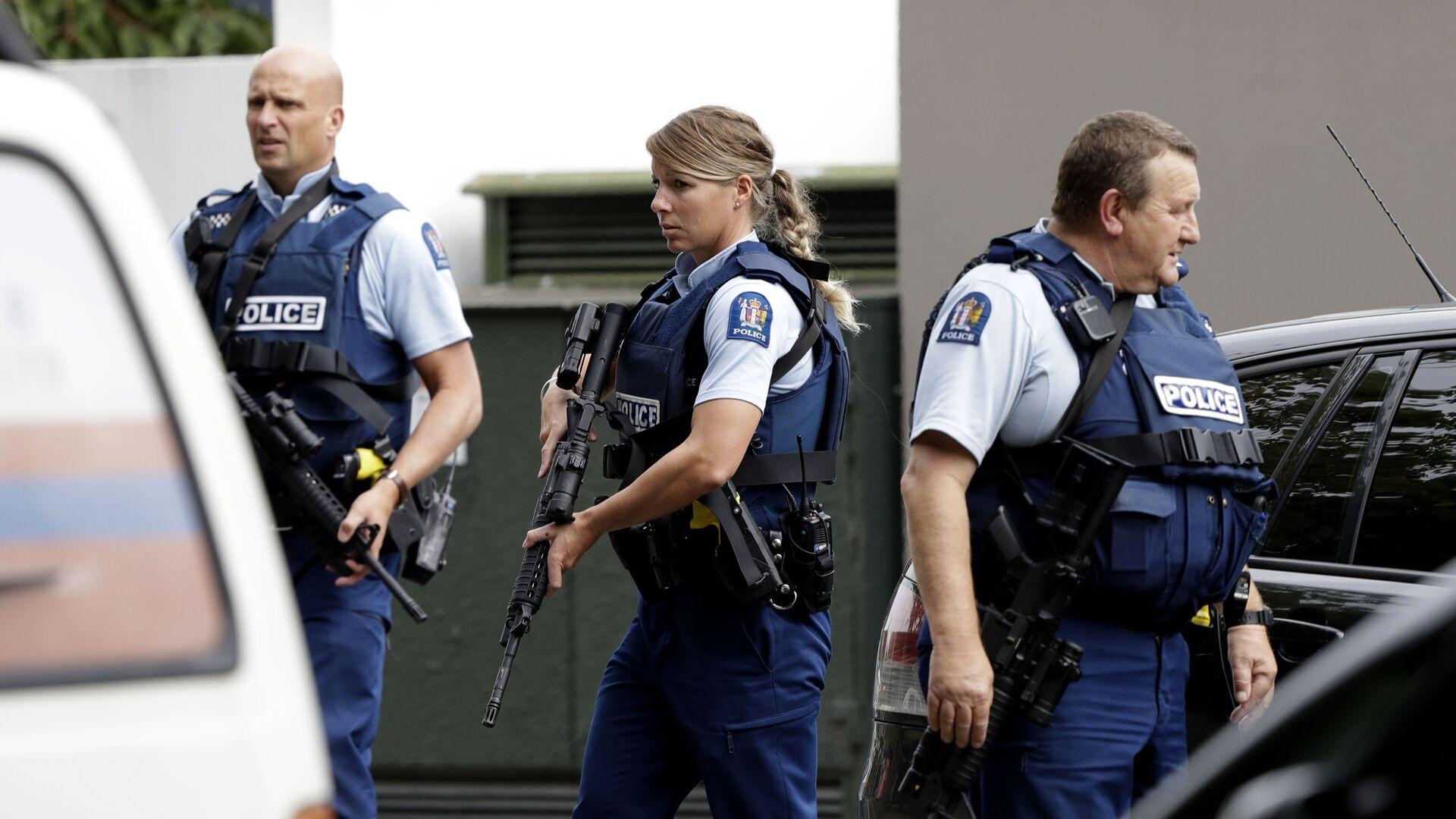 La polizia vista al luogo della sparatoria nella mosche Al Noor a Christchurch, Nuova Zelanda - Sputnik Italia, 1920, 03.09.2021