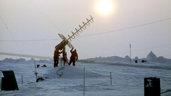 Stazione polare sulla remota isola Zhokhova - Sputnik Italia