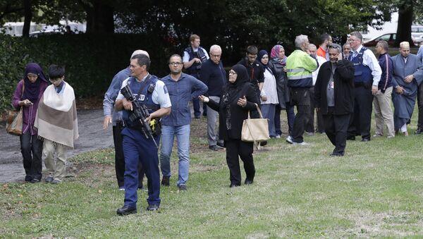 La polizia e i credenti alla mosche Al Noor a Christchurch, Nuova Zelanda - Sputnik Italia