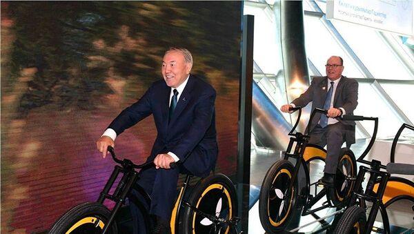 Nazarbayev all'EXPO 2017 di Astana con Alberto di Monaco - Sputnik Italia
