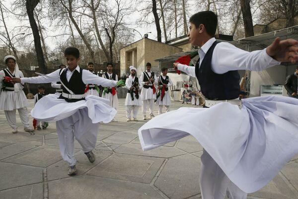Balli in piazza nel Balucistan, regione del sud-est iraniano al confine con il Pakistan - Sputnik Italia
