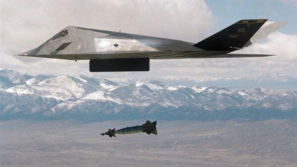 L'aereo americano F-177 durante l'operazione nella Jugoslavia - Sputnik Italia