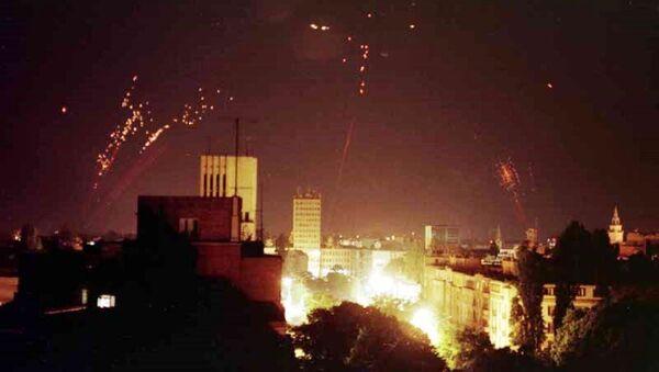 La difesa antiaerea di Jugoslavia prova ad abbattere bombardieri della NATO - Sputnik Italia