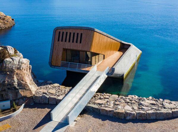 Il ristorante Under si trova in un caratteristico fiordo norvegese, il Njervefjorden, situato a 400 km sud-ovest di Oslo - Sputnik Italia