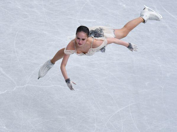 Pattinatrice artistica su ghiaccio russa Alina Zagitova al campionato mondiale a Saitama, Giappone. - Sputnik Italia