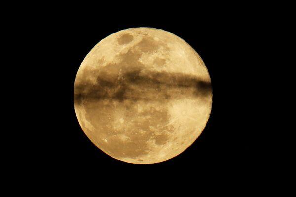 Luna piena in California. - Sputnik Italia