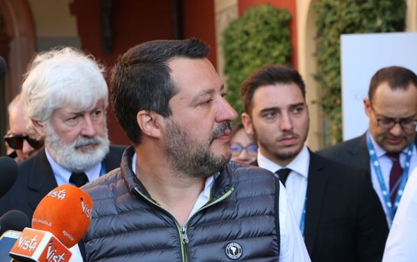 Il ministro dell'Interno e vicepremier Matteo Salvini al Forum Confcommercio - Sputnik Italia