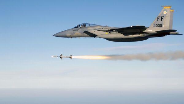 Caccia americano F-15 - Sputnik Italia