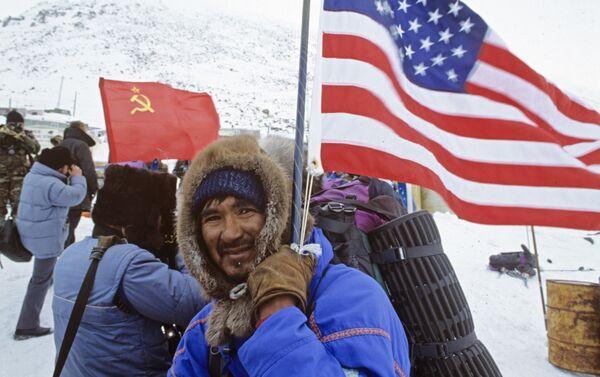 1989 - Spedizione congiunta URSS-USA per l'attraversamento a piedi dello Stretto di Bering - Sputnik Italia