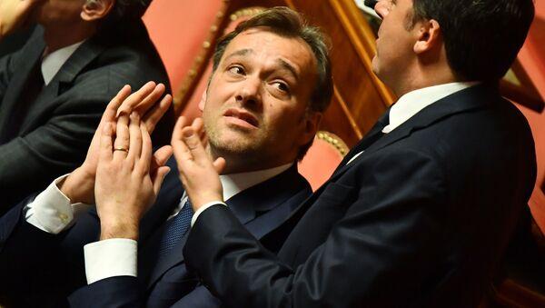 Il Senatore Matteo Richetti (al centro) - Sputnik Italia