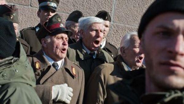 Шествие участников легиона Ваффен СС в Риге - Sputnik Italia