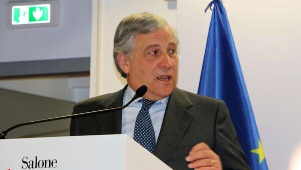 Antonio Tajani al Salone del Mobile a Milano - Sputnik Italia
