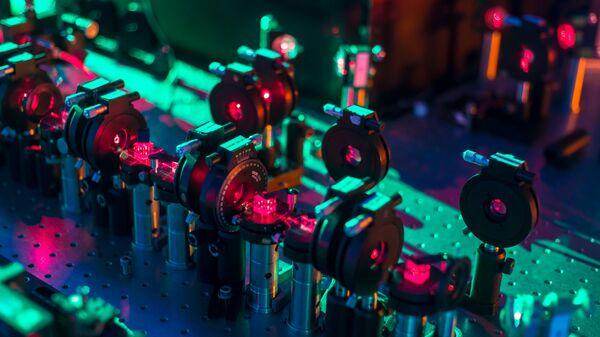 Un processore quantico di fotoni in grado di valutare contemporaneamente diversi scenari futuri per il sistema - Sputnik Italia