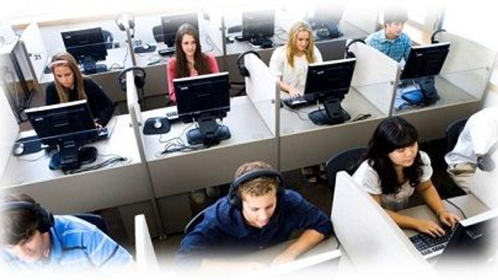 Lavoro giovani. Cresce la richiesta di competenze digitali e tecnologiche - Sputnik Italia, 1920, 13.09.2021