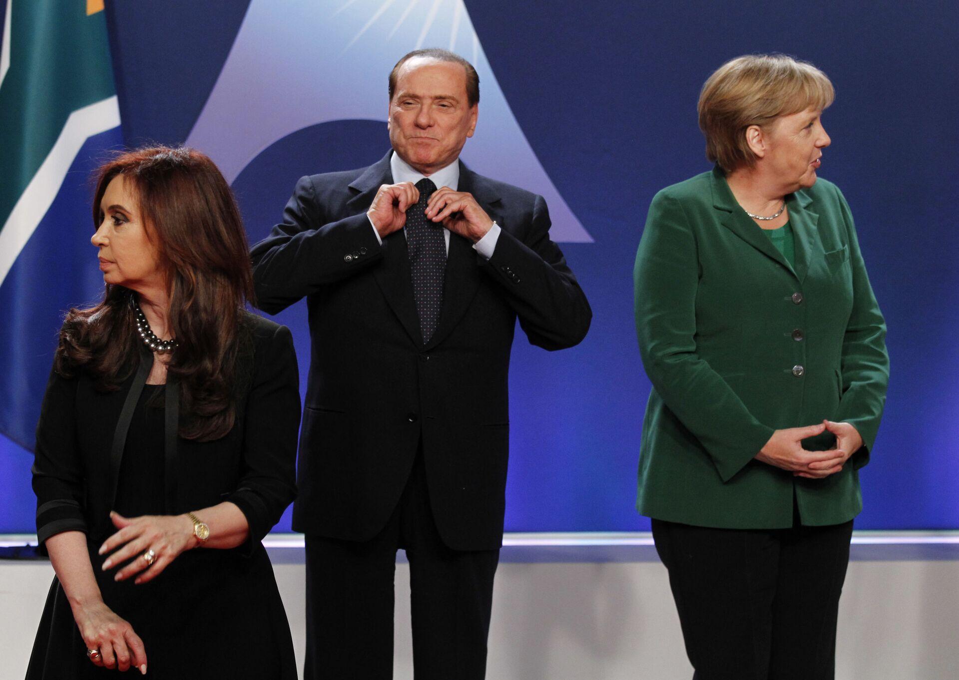 Berlusconi e Angela Merkel al G20 di Cannes del 2011 - Sputnik Italia, 1920, 11.10.2021