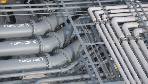 Трубы на танкере Проспект Менделеева во время презентации в Финском Заливе - Sputnik Italia