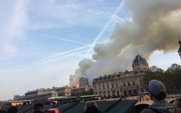 La zona della cattedrale è stata evacuata - Sputnik Italia