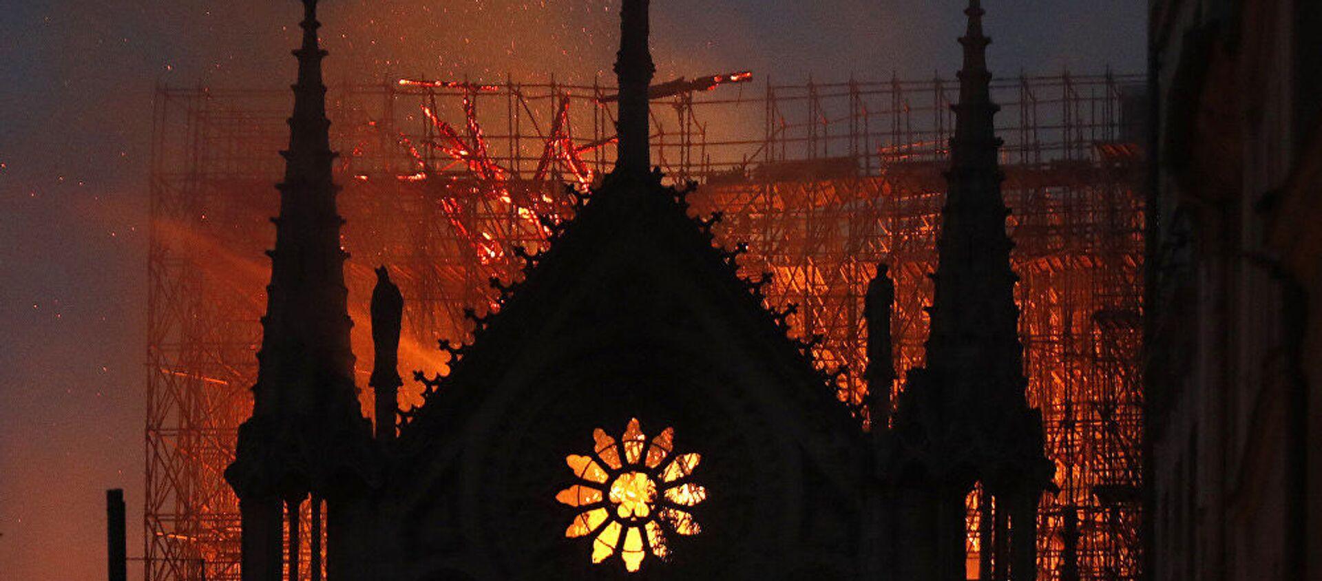 L'incendio alla Cattedrale di Notre-Dame di Parigi - Sputnik Italia, 1920, 31.05.2020