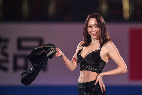 La pattinatrice artistica su ghiaccio russa, Elizaveta Tuktamusheva,  sull'esibizione a Fukuoka, Giappone. - Sputnik Italia