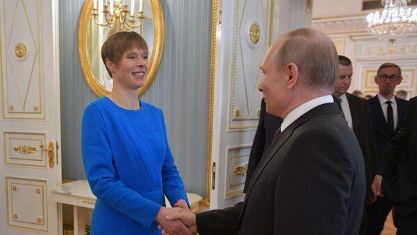 Il presidente estone Kersti Kaljulaid e il presidente russo Vladimir Putin - Sputnik Italia