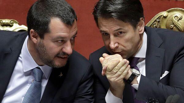 Matteo Salvini e Giuseppe Conte - Sputnik Italia