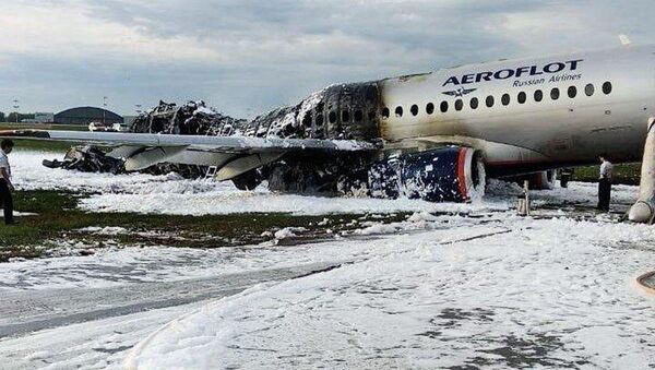 L'aereo Sukhoi Superjet 100 del volo Mosca-Murmansk - Sputnik Italia