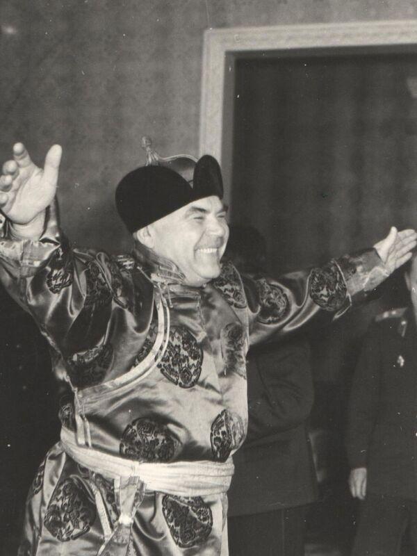 Una fotografia unica: il ministro della Difesa dell'URSS, Rodion Malinovskiy, in visita in Mongolia nel 1961 - Sputnik Italia