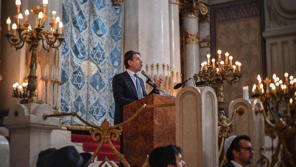 Il presidente del Consiglio Conte visita la sinagoga di Roma - Sputnik Italia
