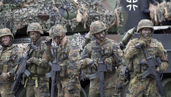 Soldati NATO - Sputnik Italia