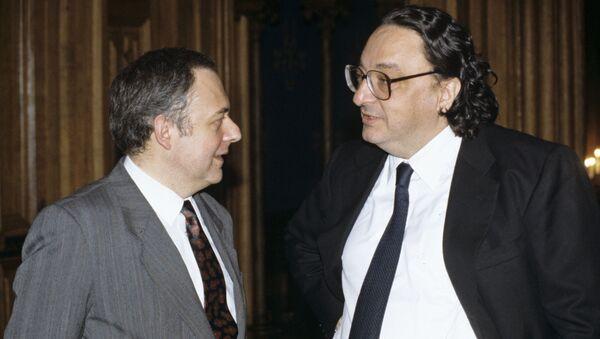 1992 - Gianni De Michelis incontra Andrey Kozyrev, allora ministro degli Esteri russo - Sputnik Italia