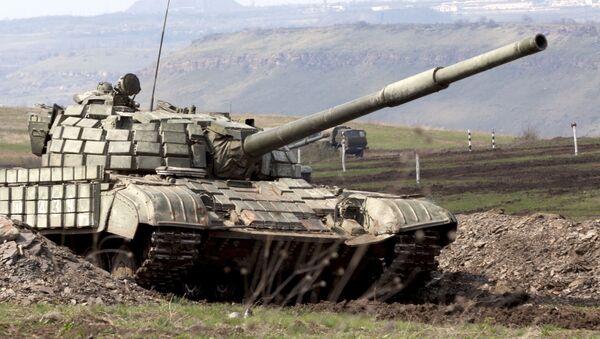 Carro armato T-64 (foto d'archivio) - Sputnik Italia