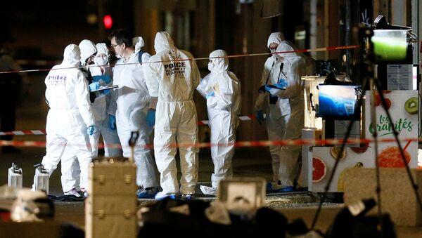 Polizia francese al luogo dell'esplosione a Lione - Sputnik Italia