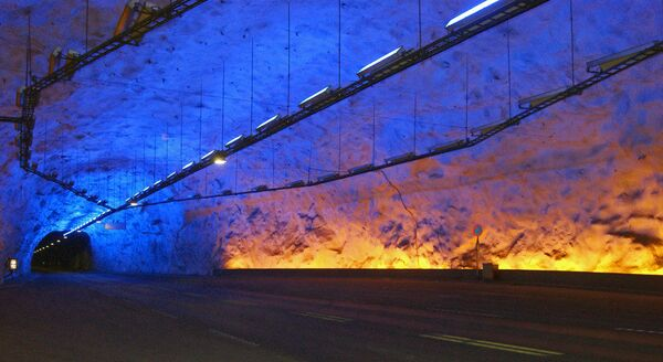 Il tunnel di Lærdal in Norvegia - Sputnik Italia