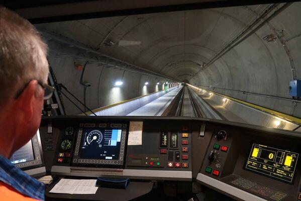 Il tunnel di base del San Gottardo  - Sputnik Italia