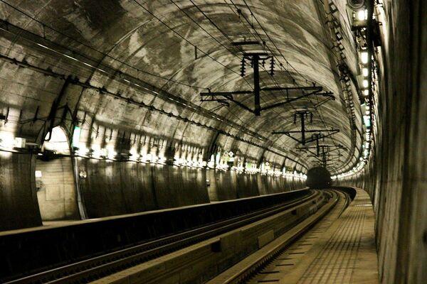 Il tunnel ferroviario sottomarino di Seikan, in Giappone - Sputnik Italia