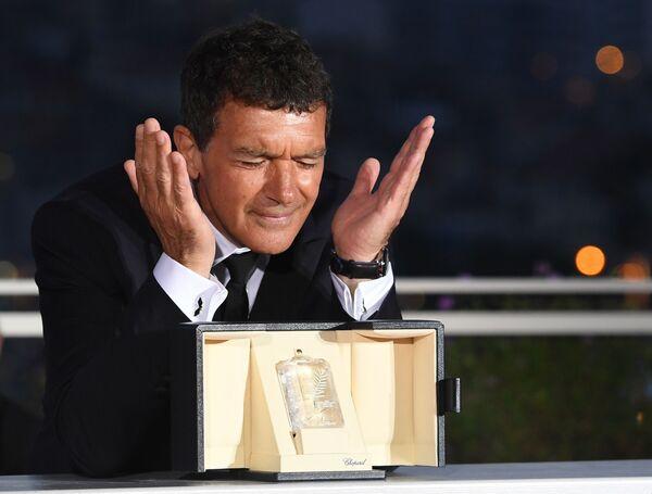 Antonio Banderas alla cerimonia di chiusura della 72° edizione del Festival cinematografico di Cannes. - Sputnik Italia