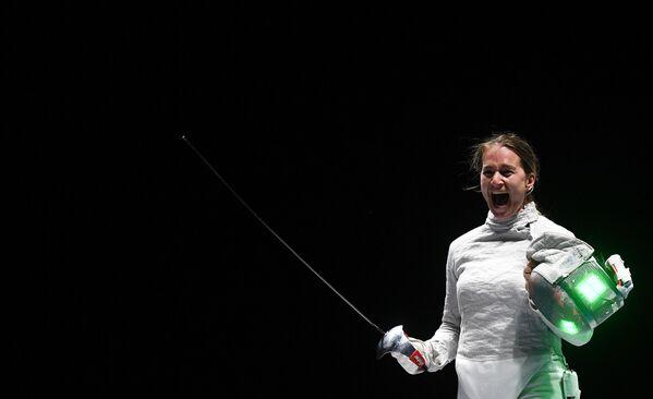 Sofia Velikaya dopo la sua vittoria al torneo internazionale di scherma La Spada di Mosca - 2019. - Sputnik Italia